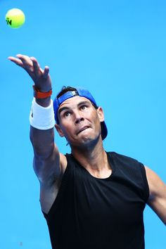 Rafael Nadal hit the practice court with Kevin Anderson on Thursday. Here are some photos. Rafael Nadal Fans, Nadal Tennis, People Poses, Australian Open, Tennis Players, Nudes, Cheerleading, Melbourne, Thursday