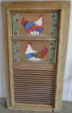 Janela de demolição com pintura artesanal de galinhas.  tamanho: 1.12cm x 0.61cm