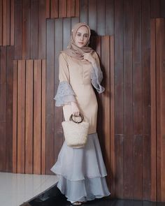 Pin Image by Memes Homorious Abaya Fashion, Fashion Dresses, Dress Outfits, Islamic Fashion, Muslim Fashion, Model Dress Kebaya, Hijab Dress Party, Dress Brokat, Mode Abaya