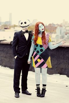 nightmare before christmas costumes christmas costumes couples Keiko and Bobby always have the best Halloween costumes! Love this Nightmare Before Christmas couples costume. Scary Couples Halloween Costumes, Diy Couples Costumes, Homemade Halloween Costumes, Family Halloween Costumes, Christmas Costumes, Halloween Outfits, Diy Costumes, Couple Costumes, Costume Ideas