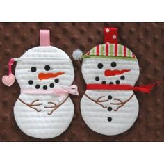 In The Hoop :: Bags, Cases, Purses & Wallets :: Snowman Couple Zipper Cases - Embroidery Garden In the Hoop Machine Embroidery Designs