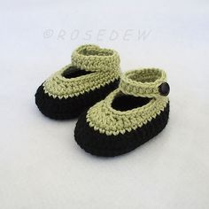 Ravelry: Crochet Baby Booties with Ankle Strap pattern by Tina Rodriguez
