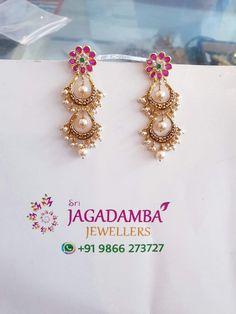 Ear Cuff Jewelry, Jewelry Design Earrings, Gold Earrings Designs, Gold Wedding Jewelry, Gold Jewelry, Beaded Jewelry, Jewelery, Indian Gold Necklace Designs, Gold Jhumka Earrings