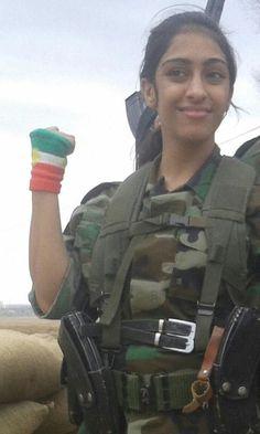 In Iran, Kurdish peshmerga fighters for female kürdistan