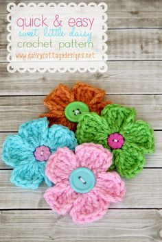 Pretty flower crochet freebie.    Beautiful Spring embellishment that is full of possible uses.  Add a pin back, use that special sparkly yarn, use those extra special buttons, or make a bunch and have an indoor bouquet that never needs to be watered.  Pair them up with these crochet flowers http://melodys-makings.com/free-crochet-flower-pattern/ and have yourself a beautiful little garden.  You can find the pattern in the pic here: http://daisycottagedesigns.net/crochetdaisypattern/