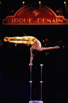 Circus entertainment cc @Andreas Fetz
