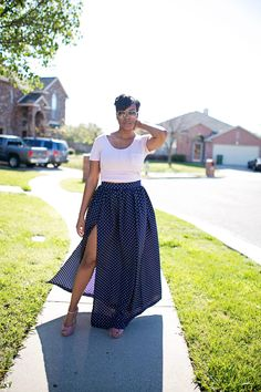Hi guys, here's an easy tutorial on how to sew a sexy Maxi Skirt with a High Split! DIY Tutorial: Maxi Skirt with High Split http://www.stylesewme.com/diy-tutorial-maxi-skirt-high-split/