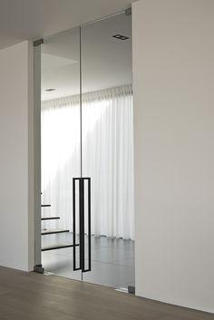 Door Design, House Design, Contemporary Fireplace Designs, Industrial Office Design, Interior Architecture, Interior Design, Aluminium Doors, Dream House Exterior, Sliding Glass Door