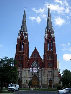 Sweetest Heart of Mary Catholic Church (Detroit, MI) - exterior. Detroit Houses, Roman Catholic, Catholic Churches, Cathedral Church, Church Building, Church Architecture, Episcopal Church, Place Of Worship, Romanesque