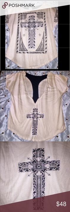 💋❤️NWT. GORGEOUS VOCAL T-shirt  Size Medium❤️💋 My FAVORITE Brand... VOCAL Tye Dye /Fade T-shirt With Cross Designs on Front and Back.  Cutout On Back.  Truly an AWESOME Shirt With Bling! Vocal Tops