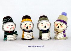Voor meer leuke ideeën www. K Cup Crafts, Snowman Crafts, Crafts For Kids, Christmas Nativity, Christmas Carol, All Things Christmas, Beaded Christmas Decorations, Diy Christmas Ornaments, Decoracion Navidad Diy