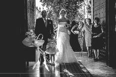 Fotografo de Bodas en Sevilla y Huelva. Fotografia de boda diferente, natural, fresca y espontanea.