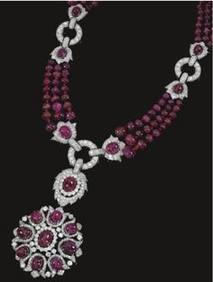 Ruby parure from the splendid jewelry collection of Marie Aline Griffith, Countess Dowager agent Romanones and U.S. secret services in Madrid during the Second World War. Auctioned by the firm Sotheby's in Geneva.