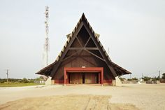 Assinie-Mafia Church - Côte d'Ivoire, 2008 Guillaume Koffi, Issa Diabaté www.koffi-diabate.com via @archdaily  for #form