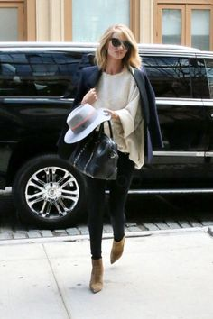 Rosie Huntington-Whiteley | LookLive