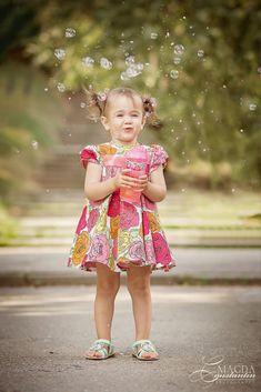 Copii si familie - Fotografie de familie by Magda Constantin Girls Dresses, Flower Girl Dresses, Bubble, Harajuku, Wedding Dresses, Style, Fashion, Pictures, Dresses Of Girls