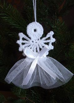Piękne szydełkowe aniołki , aniołek na choinkę . (6615497520) - Allegro.pl - Więcej niż aukcje. Crochet Owl Applique, Crochet Snowflake Pattern, Crochet Snowflakes, Crochet Art, Crochet Round, Crochet Stitches, Crochet Patterns, Christmas Art, Christmas Tree Ornaments