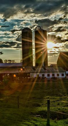 Barn & Silos In the Setting Sun Country Barns, Old Barns, Country Life, Country Roads, Country Living, Country Charm, Country Strong, Agriculture, Farming