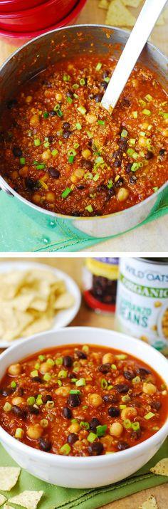 Delicious Pumpkin Quinoa Chili with Black Beans and Chickpeas (garbanzo beans) – healthy, vegetarian, gluten free!