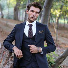▪️  Every man should have a black suit in his wardrobe.  ▪️  Her erkeğin gardolabında bir siyah takım elbise olmalı.  ▪️  #style #fashion #mensfashion #menstyle #menstreetstyle #streetstyle #instafashion #fashionblogger #mensfashionpost #mensfashionblogger #mensfashiontips #menssuits #menspants #mensknitwear #mensjeans #mensjackets #mensblazer #menssunglasses #sunglasses #blazer #jacket #suits #luxurylife #luxurymenstyle #luxurymenswear #luxurymenslife #coat #tie