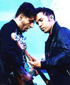 Joe Trohman and Pete Wentz 2014!Best friends playing the guitar and bass together.