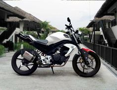 fz16 modificacion en tanque Yamaha Fz, Cool Motorcycles, Motorbikes, Vehicles, Tin, Cars, Ideas, Cars Motorcycles, Tanks