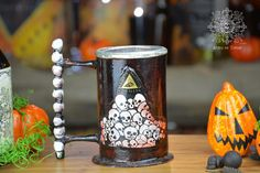 Beer mug with handle sulpt small skulltankardmug