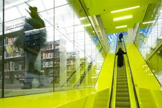 Completed in 2004 in Seattle, United States. Images by Philippe Ruault. The Seattle Central Library redefines the library as an institution no longer exclusively dedicated to the book, but as an information store where. Oma Architecture, Architecture Details, Commercial Architecture, Contemporary Architecture, Seattle Central Library, Public, Stairway To Heaven, Learning Spaces, Stairways