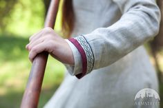 "Viking Natural Linen Dress Tunic ""Eydis the Shieldmaiden"" Medieval Tunic, Medieval Clothing, Vert Olive, Olive Green, Renaissance Wedding, Shield Maiden, Asatru, Viking Woman, Cotton Tunics"
