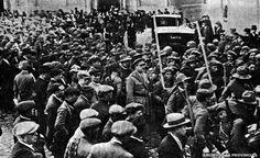 1927 Tropas de Mallorca desfilan por las calles de Valencia a su regreso de África | ARCHIVO LAS PROVICNIAS