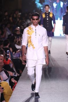 Manish Malhotra | Summer/Resort 2015 #indiancouture #PM Manish Malhotra Designs, Manish Malhotra Collection, Mens Ethnic Wear, Indian Ethnic Wear, Groom Wear, Groom Outfit, Indian Male Model, Gents Kurta, Indian Men Fashion