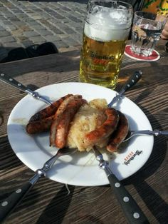 See 29 photos and 4 tips from 179 visitors to Historische Wurstküche. Regensburg Germany, Bavarian Recipes, Bratwurst, The Good Place, Sausage, Good Food, Eat, Museums, Breakfast