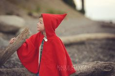 Hey, I found this really awesome Etsy listing at https://www.etsy.com/listing/163321031/little-red-riding-hood-cape-pdf-pattern