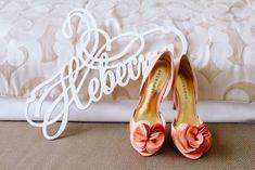 Свадебные приглашения: фото и идеи свадебных приглашений - Невеста.info Wedding Shoes, Heels, Invitations, Fashion, Bhs Wedding Shoes, Heel, Moda, Fashion Styles, Wedding Slippers