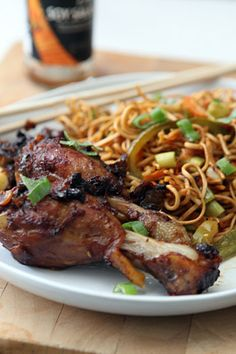 Hakka noodles, chilli chicken. This is what we call Chindian food... Chinese+ Indian :-)