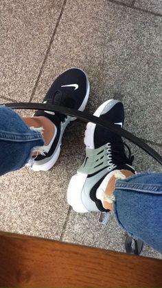 new concept eb66f a2505 Juntas imparables  El nuevo reto de Nike para mujeres fuertes. Nike tiene  un nuevo. Zapatillas Mujer NikeNike MujerBotas ZapatosZapatos ...