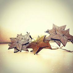 Estrellas cortadas a láser para @lacondesaconde #leather #vogue #star #madrid #lacondesa #moda #incut #cortelaser #cutlaser