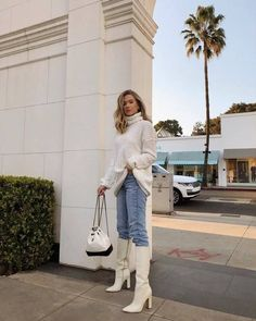 White Sweater and white boots Look Fashion, Fashion Outfits, Womens Fashion, Fashion Black, Fashion 2018, Fashion Ideas, Girl Fashion, Fashion Trends, Fall Winter Outfits