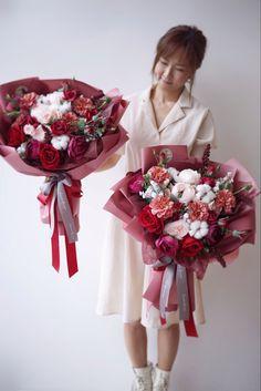 Pink Flower Bouquet, My Flower, Silk Flowers, Gift Bouquet, Luxury Flowers, Her Hair, Christmas Wreaths, Floral Design, Floral Wreath