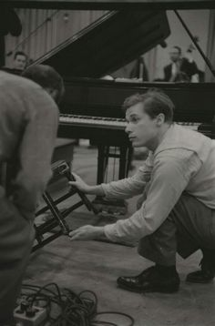 Glenn Gould and The Chair