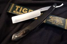 Lauterjung & Co. TIGER 27 - Custom Horn Scales- Vintage Solingen Straight Razor - Restored & Shave Ready