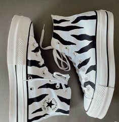 Dr Shoes, Cute Nike Shoes, Swag Shoes, Cute Nikes, Hype Shoes, Me Too Shoes, Mode Converse, Converse Shoes, Shoes Sneakers