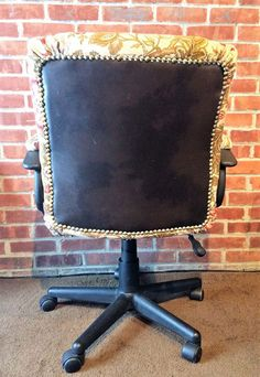 How to Reupholster an Office Chair — The Mermaid's Den Wooden Dining Room Chairs, Wayfair Living Room Chairs, Old Chairs, Ikea Chairs, Desk Chairs, White Chairs, Office Chair Makeover, Best Office Chair, Office Waiting Room Chairs