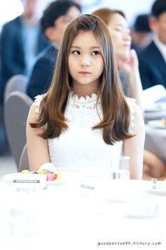 i'm the heroine Kpop Girl Groups, Korean Girl Groups, Kpop Girls, K Pop, Kpop Hair, Kim Ye Won, Cloud Dancer, G Friend, Entertainment