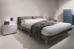 EmmeBi - GHOST Ghost ist ein Polsterbett  bedeckt mit weichem Leder oder mit verschiedenen Arten von Stoffen. Designer, Interior Design, Bed, Furniture, Home Decor, Soft Leather, Nest Design, Homemade Home Decor, Home Interior Design