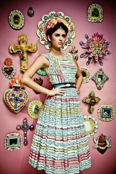 Frida Kahlo inspired - I love what she's wearing and that she looks like the art on the wall - www.mainlymexican... #Mexico #Mexican #jewelry #celebrity #fashion #style