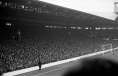 ♠ The famous Kop at Anfield, Liverpool FC, in 1983 #LFC #History