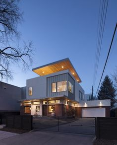 The 'Shift Top House' located in Denver, Colorado, USA - Designed by Meridian 105 Architecture