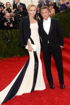 Charlize Theron y Sean Penn - MET 2014