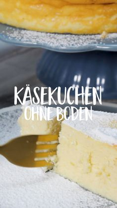 Käsekuchen ohne Boden Are you not a fan of shortcrust pastry in a cheesecake? Then you will really love this bottomless cheesecake: the cake consists only of the loose curd mass and thanks to the lemon peel tastes wonderfully fresh! Easy Cookie Recipes, Meat Recipes, Cake Recipes, Dessert Recipes, Drink Recipes, Shortcrust Pastry, New Cake, Crazy Cakes, Food Cakes